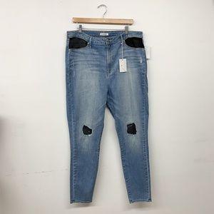 Good American Jeans - NWT Good American Good Legs Mesh Skinny Jeans 22